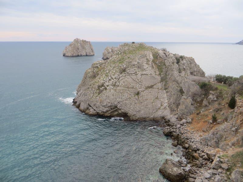 岩石在黑海 库存图片