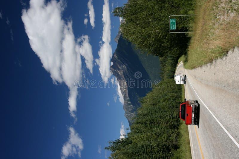 岩石山的路 库存照片
