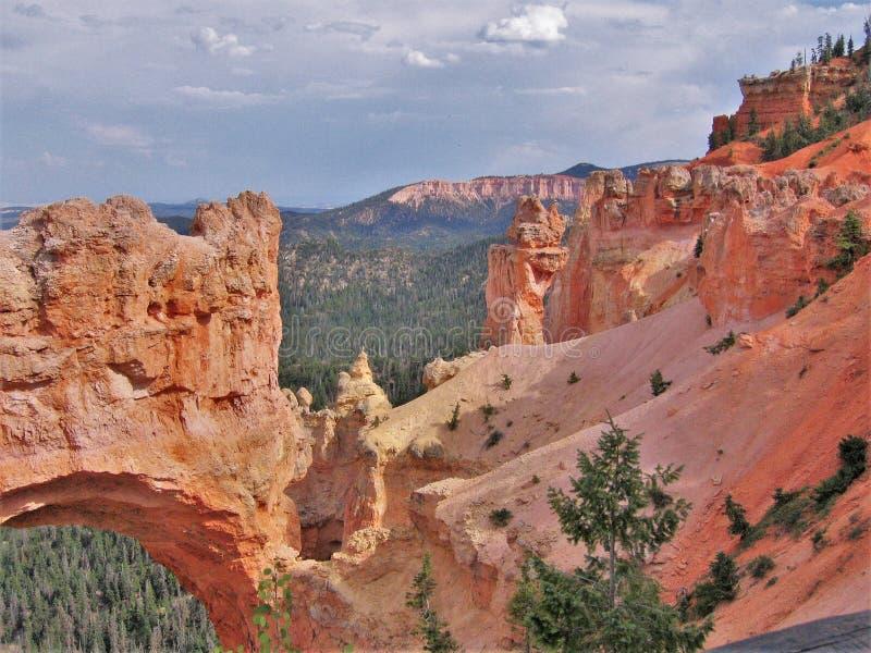 岩石曲拱在布莱斯峡谷国家公园 免版税库存图片