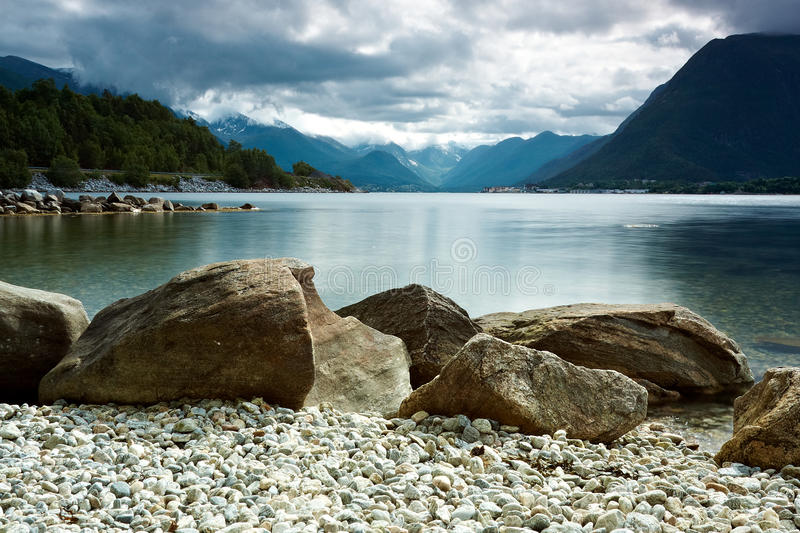 岩石海岸线 库存照片