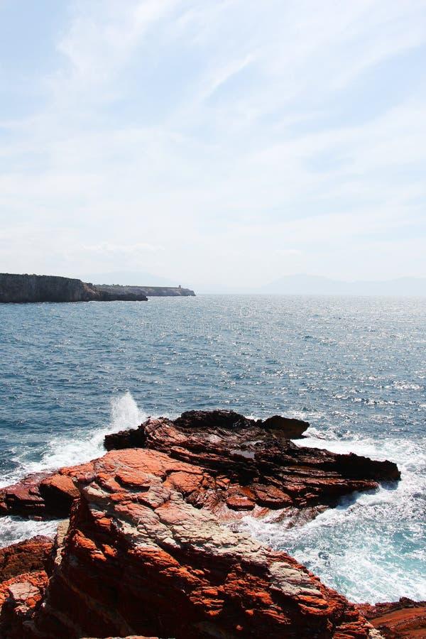 岩石海峭壁,文本的空间在上面 库存照片