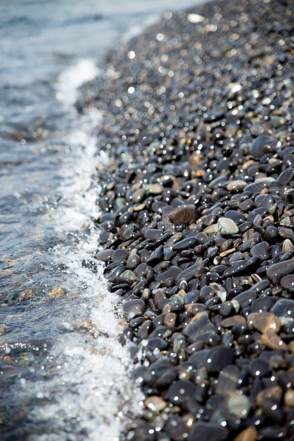 岩石海滩 免版税库存照片