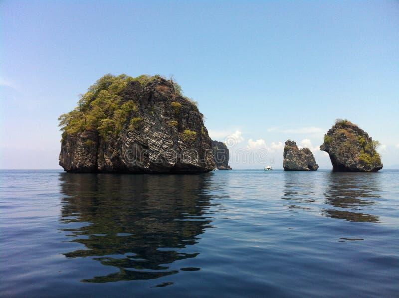 岩石的海岛 免版税图库摄影