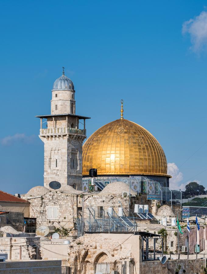 岩石的西墙壁和Golden Dome在耶路撒冷 库存照片