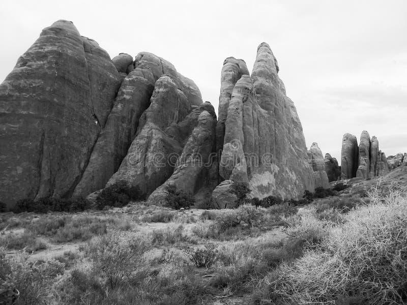 岩石露出在黑白的犹他- 图库摄影