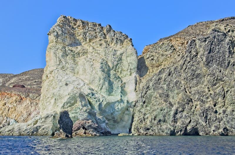 岩石风景在圣托里尼,希腊 免版税库存照片