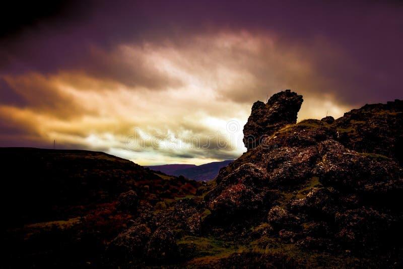岩石风景布雷肯比肯斯山背景 免版税库存照片