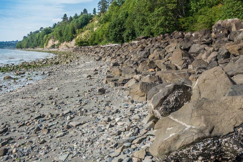 岩石Breekwater 免版税库存图片