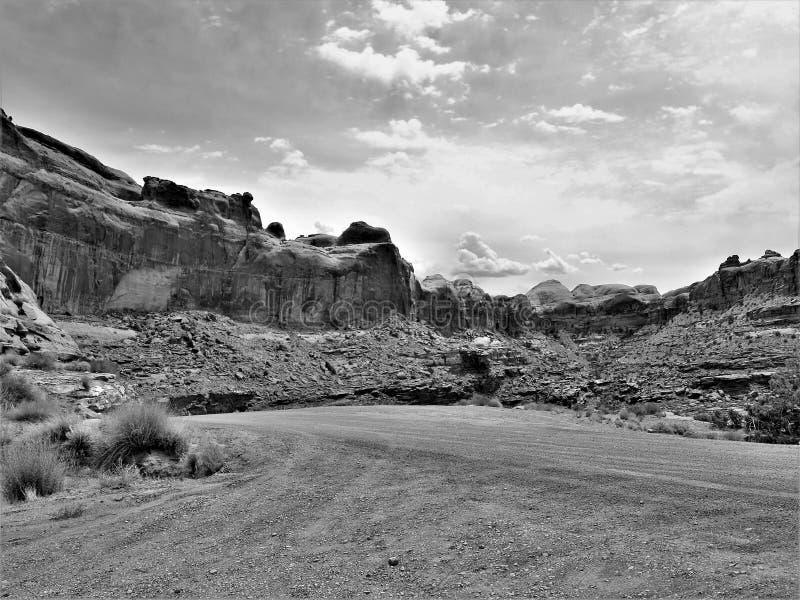 峡谷地国家公园土路 免版税库存图片