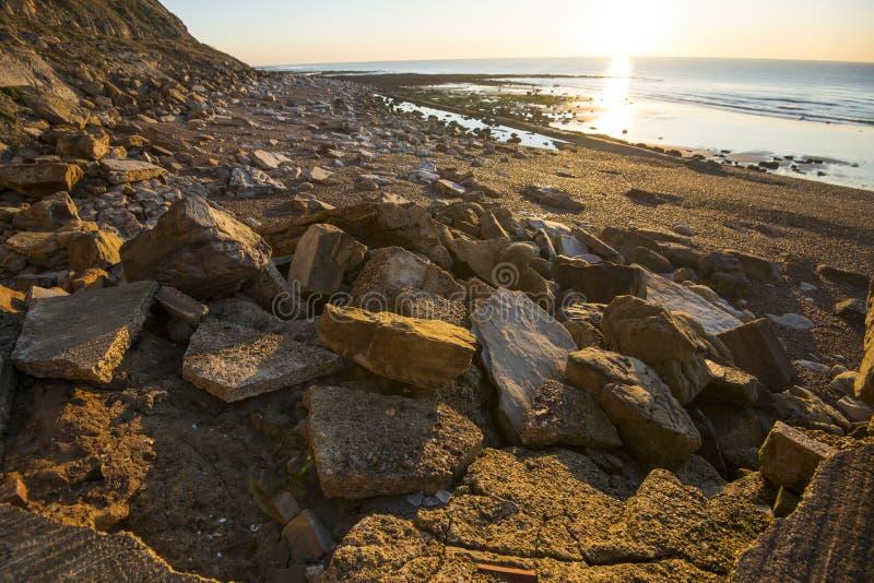 峭壁侵蚀的地质学的证据在海斯廷斯,东萨塞克斯郡,英国的 免版税库存照片