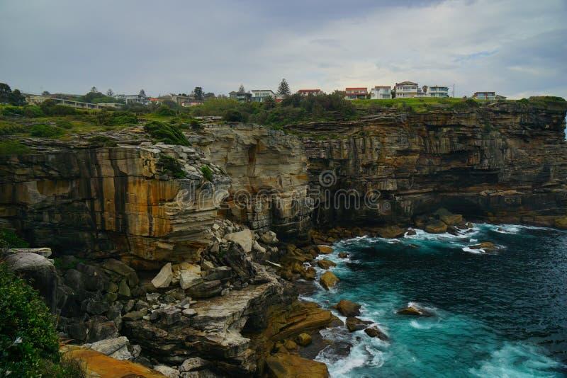 峭壁和海金刚石海湾的在悉尼 免版税库存照片
