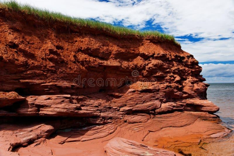 峭壁爱德华海岛王子红色 库存照片