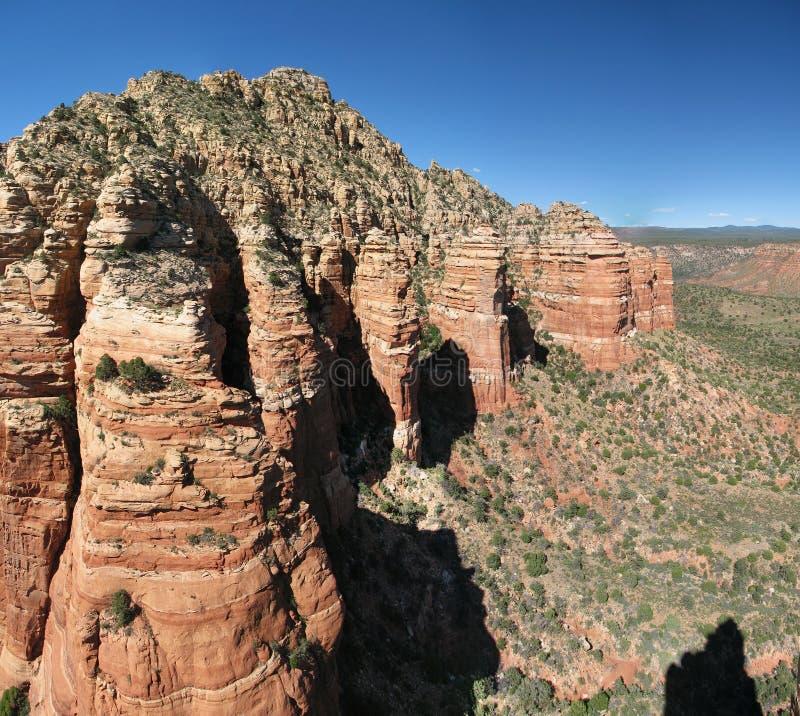 峭壁红色岩石 免版税库存照片