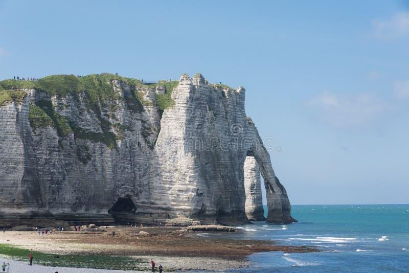Download 峭壁Etretat, Normandie Aval 库存照片. 图片 包括有 海岸线, 小珠靠岸的, 阿尔伯特・ - 72369426