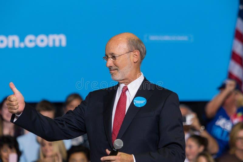 州长汤姆狼讲话在竞选集会 库存照片