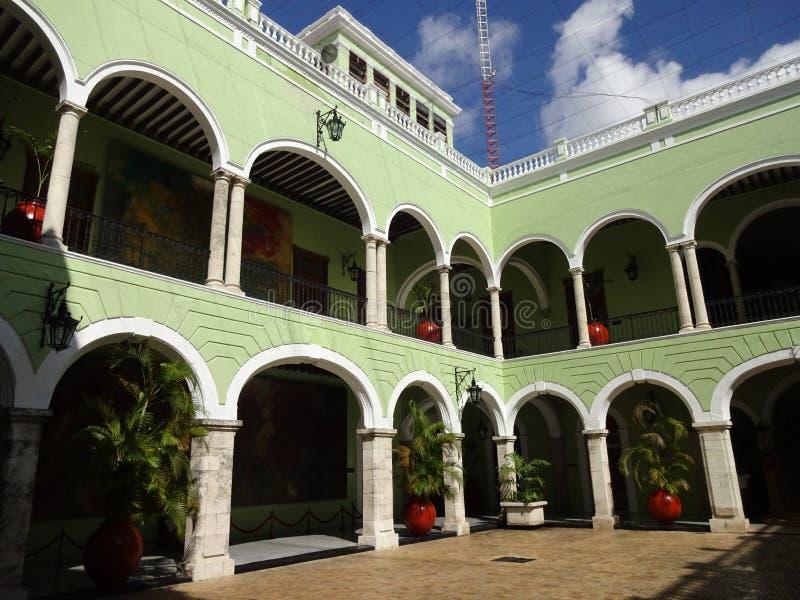 州长的宫殿庭院在梅里达 免版税图库摄影