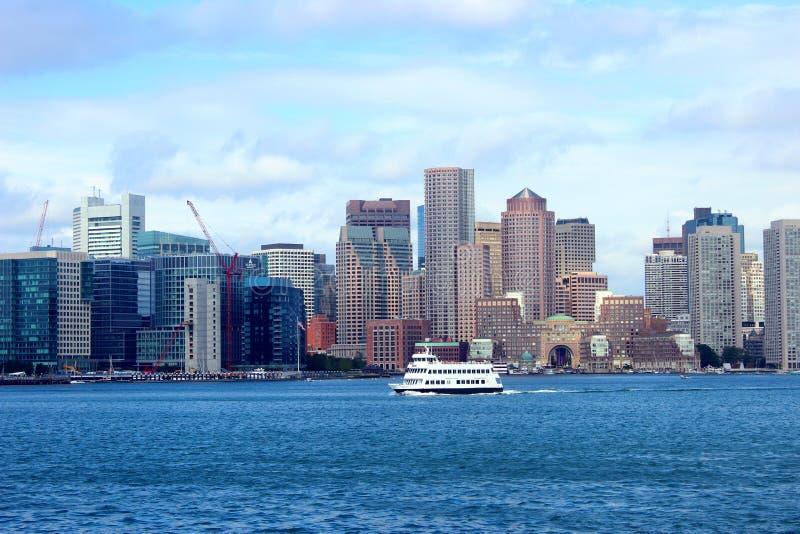 从巡航的波士顿地平线 库存照片