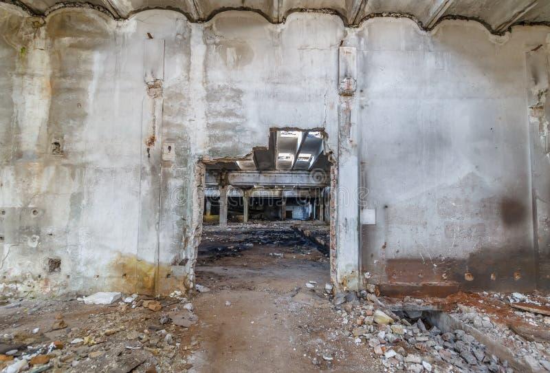工业企业大厦废墟被放弃或被毁坏的 免版税库存图片