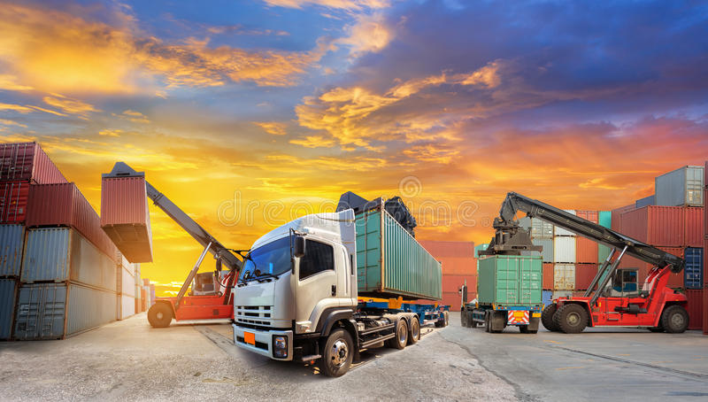 工业容器货物卡车 库存图片