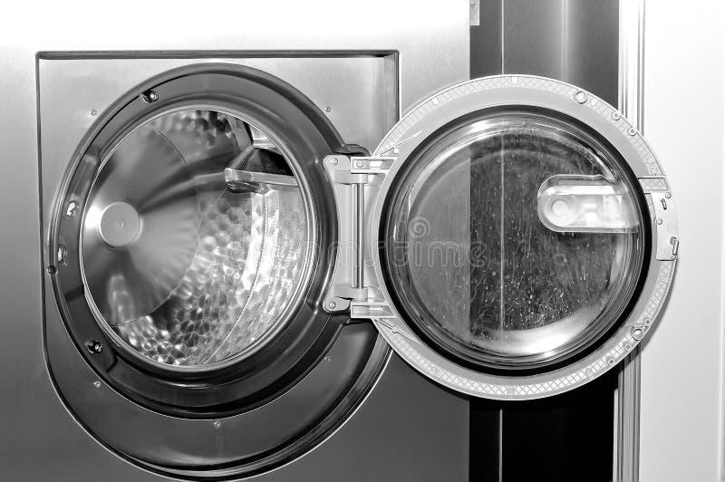 工业洗衣机的圆的装货舱口盖 库存照片