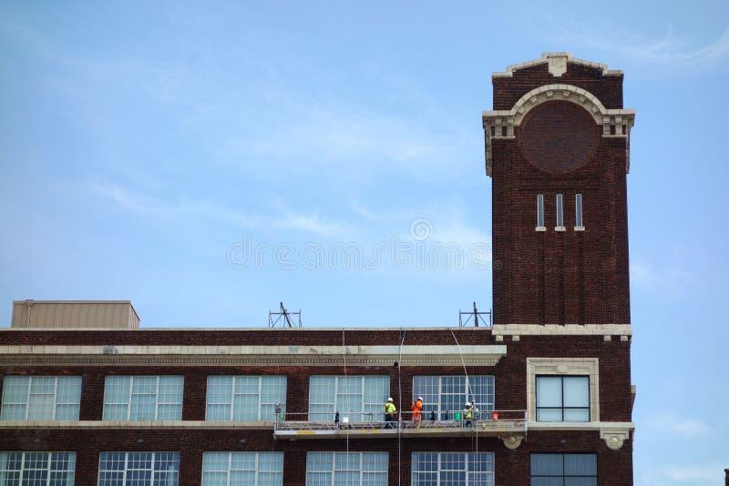 工业窗户清洁 免版税库存图片