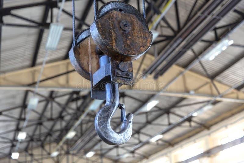 工业钢起重机勾子 免版税图库摄影