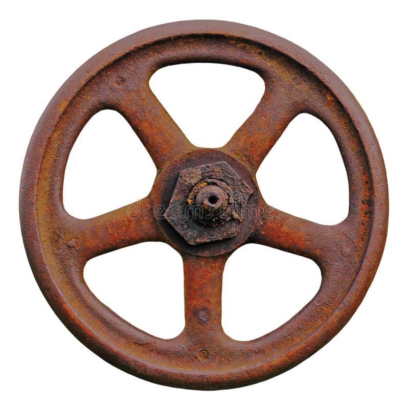 工业阀门轮子和生锈的词根,老年迈的被风化的铁锈难看的东西门闩,被隔绝的大详细的宏观特写镜头 免版税图库摄影
