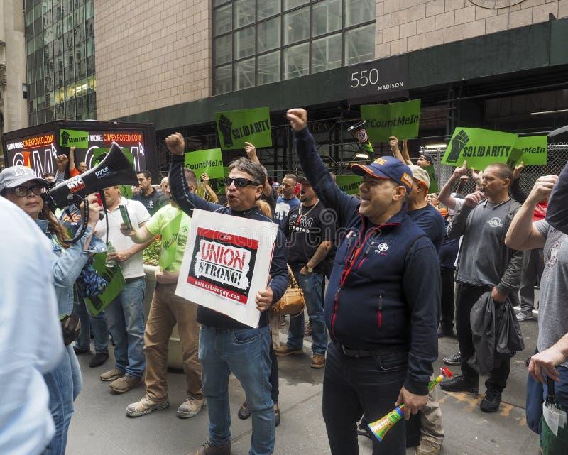 工会工人抗议CIM小组 免版税库存图片