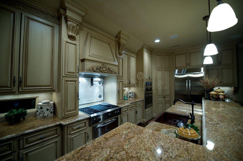 工作台面高级花岗岩厨房 库存照片