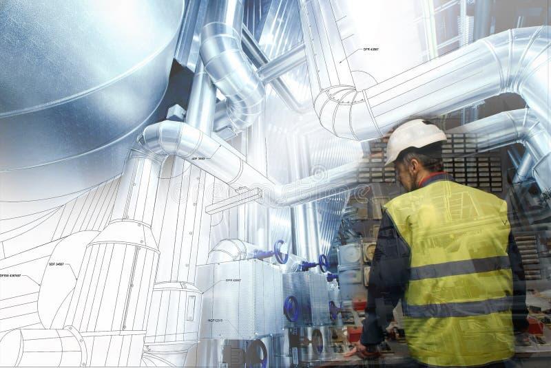 工作在能源厂的工程学人作为操作员 免版税库存图片