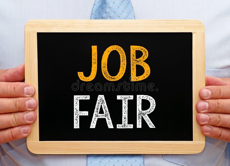 工作市场-拿着有文本的经理黑板 免版税库存图片
