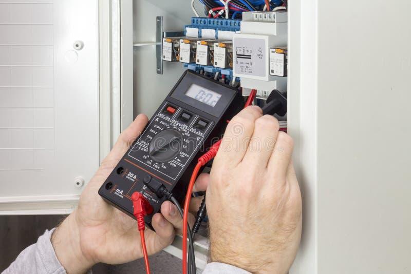 工作措施的电工电流 免版税库存图片