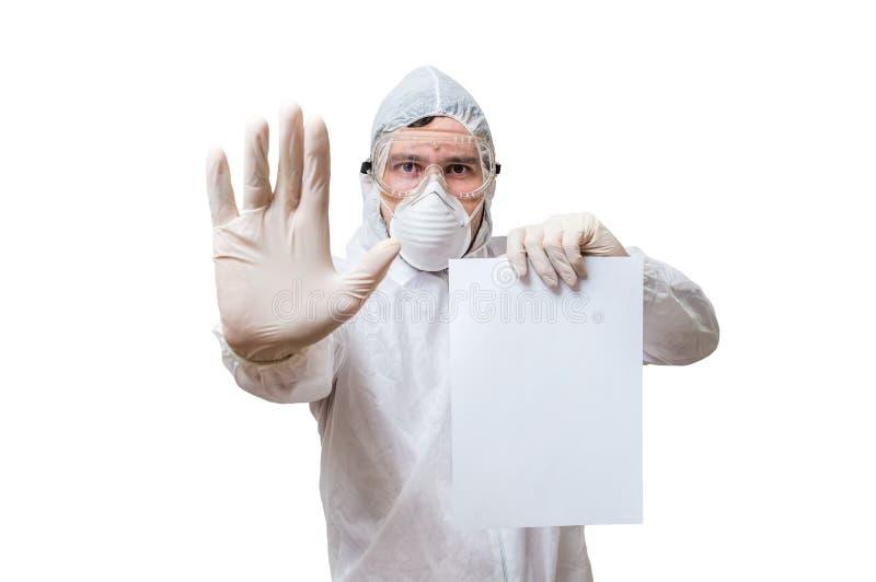 工作服的技术员是习惯文本的举行白纸 免版税库存图片