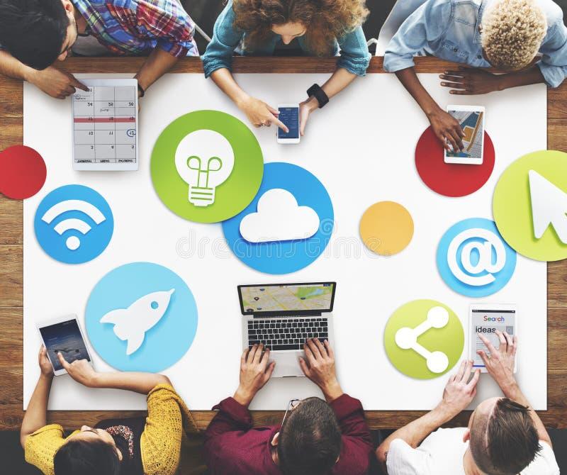 工作社会媒介象概念的创造性的人民 向量例证