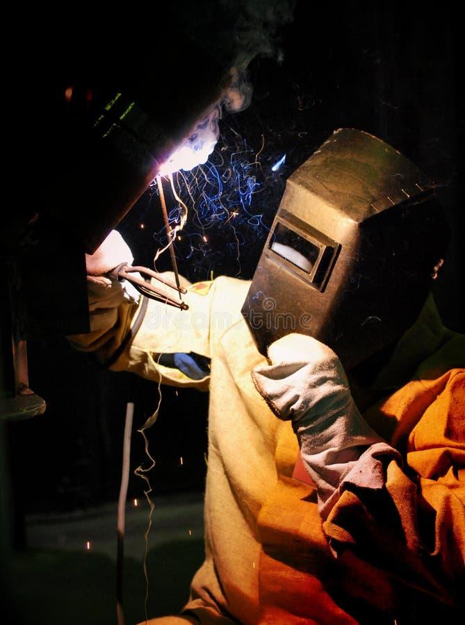 工作者切开金属焊工焊接器 免版税图库摄影