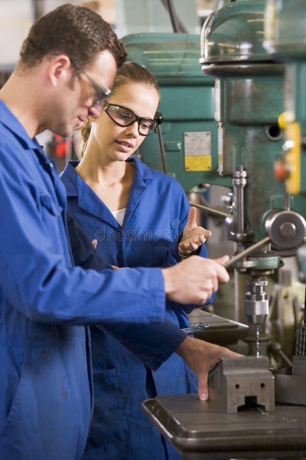 工作设备的机械师二 免版税库存照片
