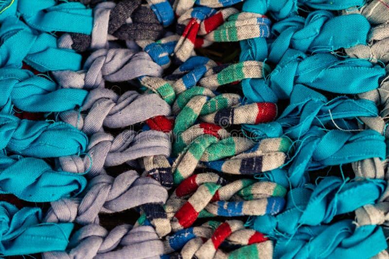 工匠做的土气五颜六色的织品 手工制造手工制造的地毯 免版税库存照片