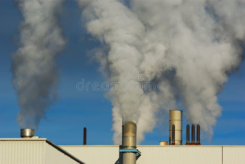 工厂烟囱烟大气污染 库存照片
