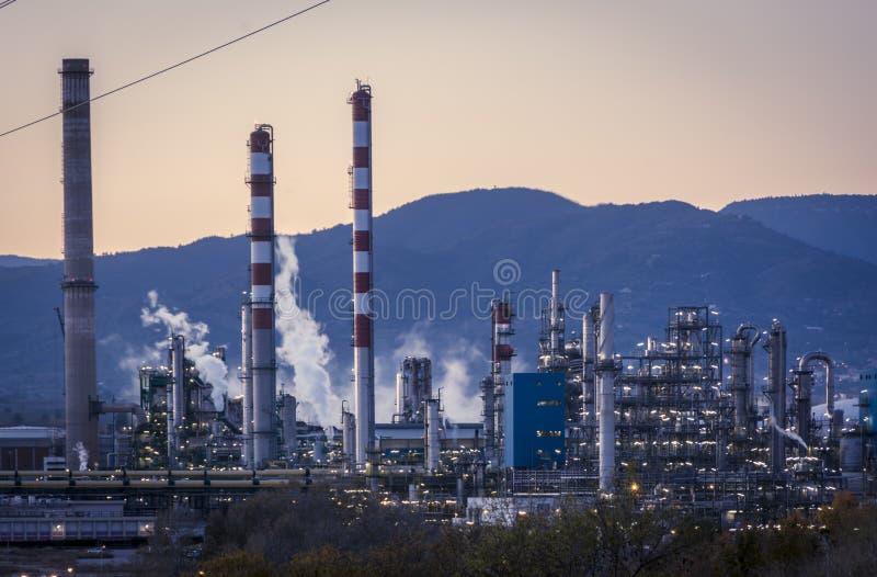工厂烟囱-炼油厂-石油化工厂 免版税图库摄影
