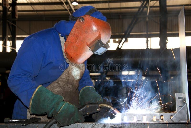 工厂焊接工作者 免版税库存图片