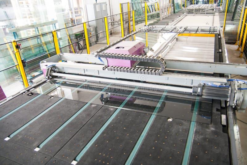 工厂玻璃机械视窗 免版税库存照片