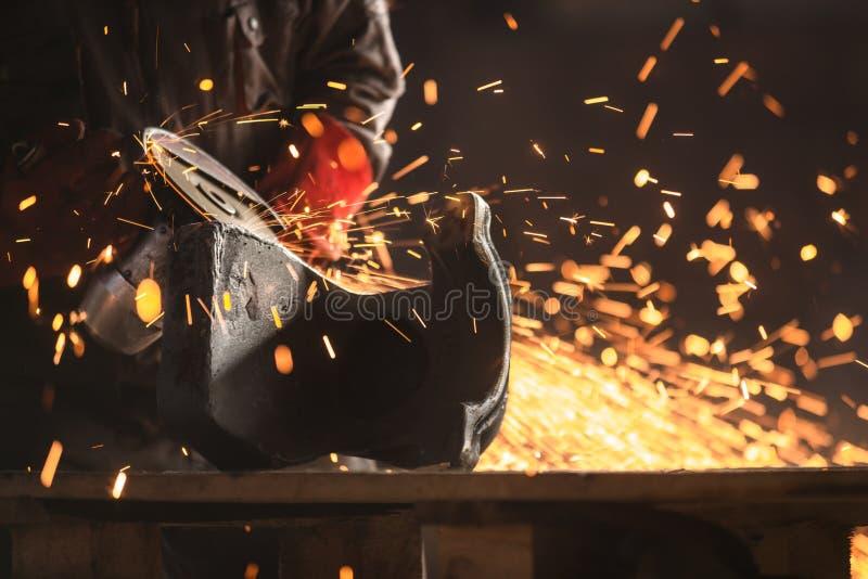 工厂的产业工人 免版税库存图片