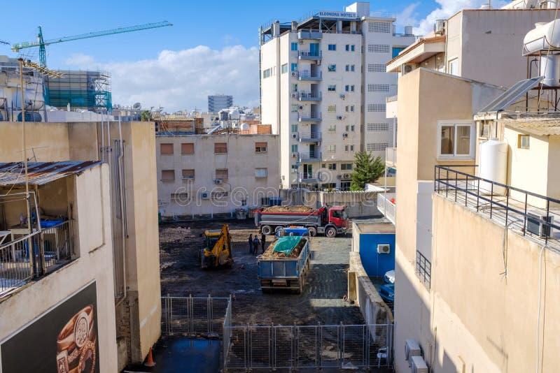 工地工作在城市街市 图库摄影