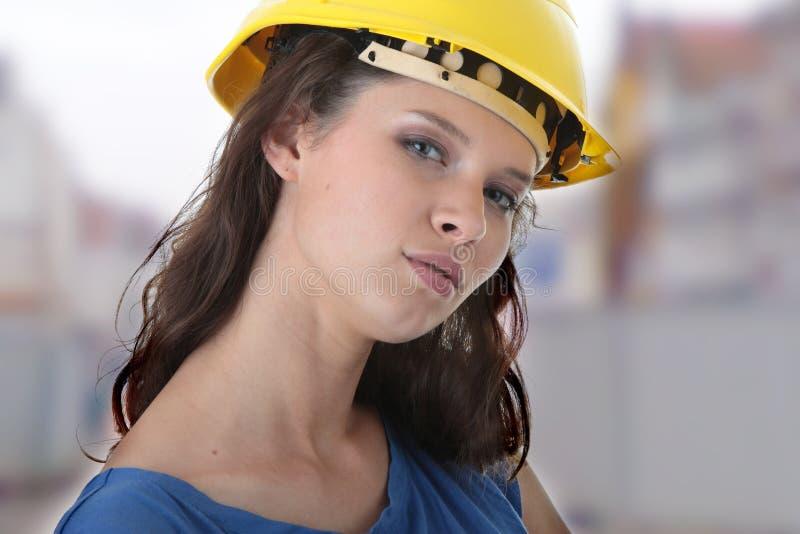 工程承包商性感的女工年轻人 免版税库存照片