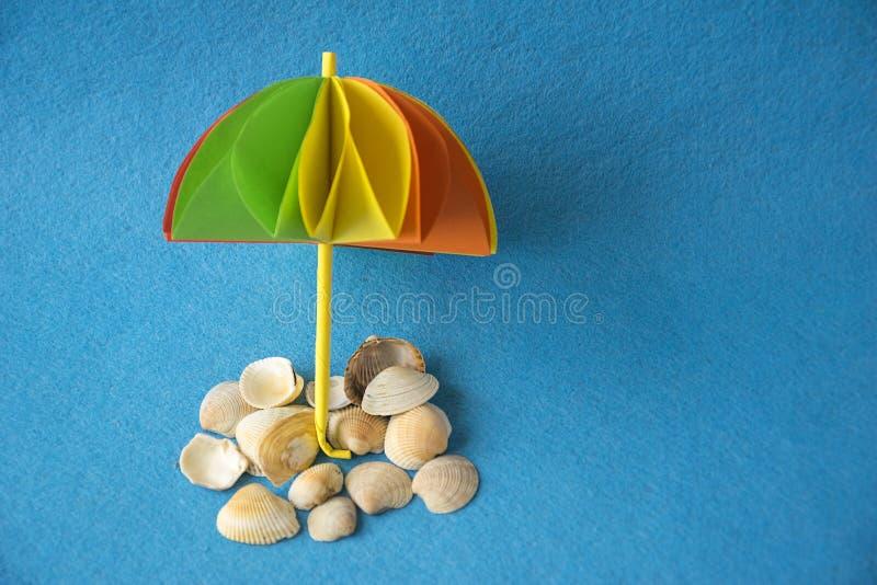 工艺品多彩多姿的模件origami遮阳伞 免版税库存图片