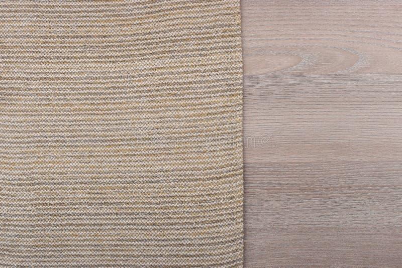 从左边木台式视图的织品 免版税库存图片