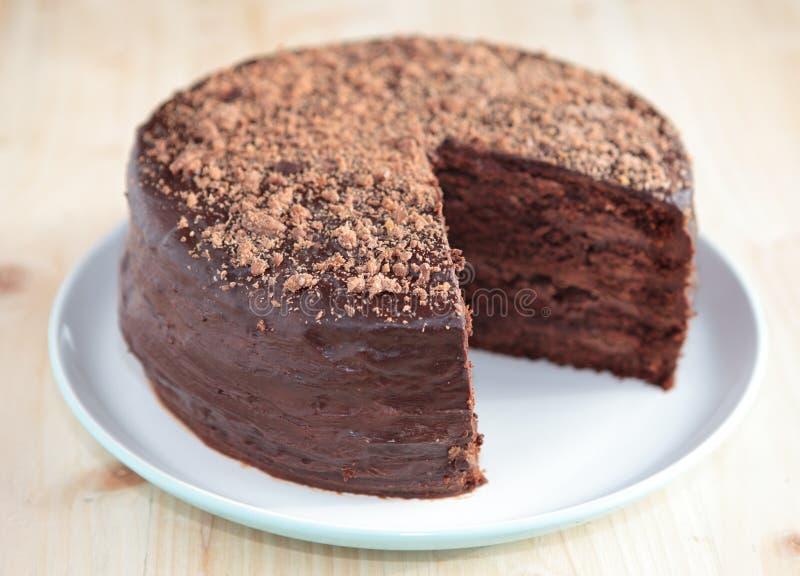 巧克力与buttercream结霜的松糕 库存图片