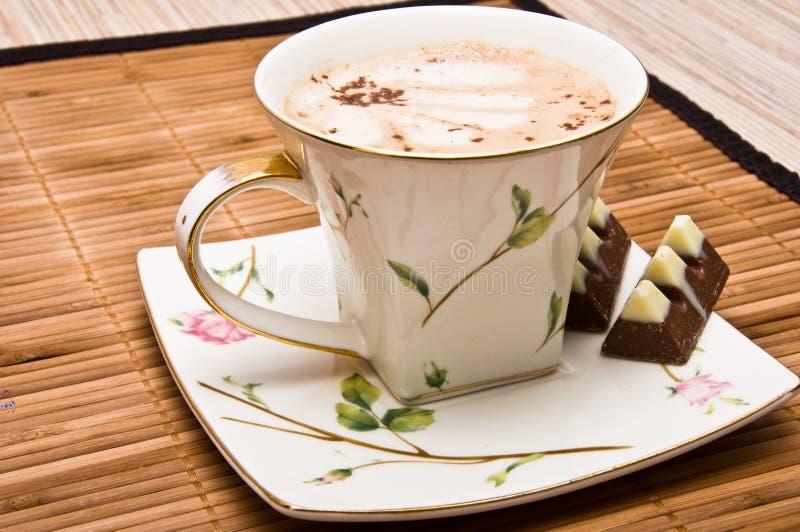 巧克力咖啡杯 免版税库存图片