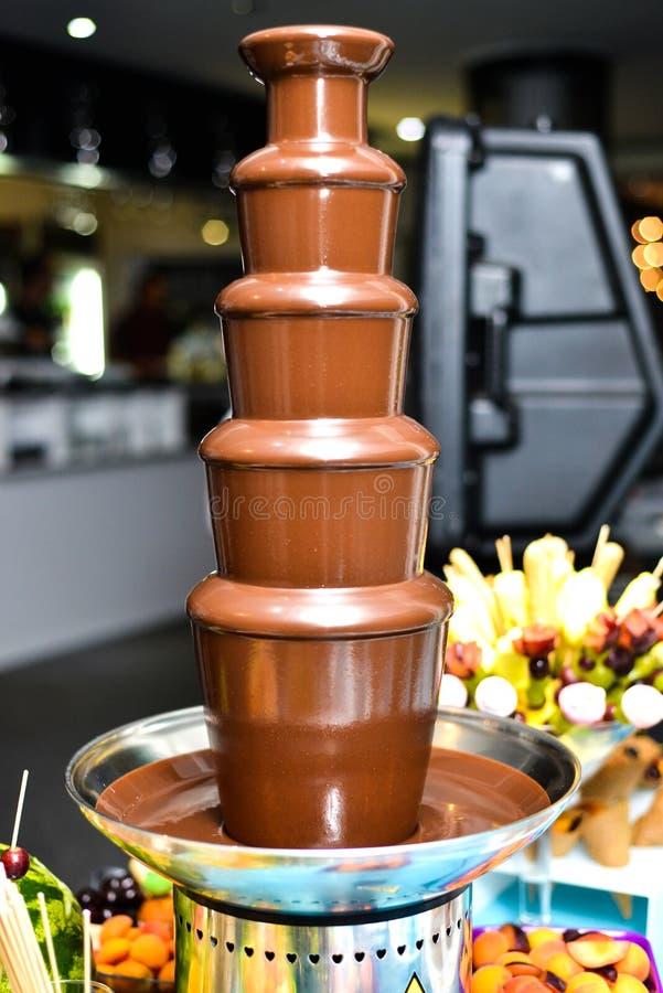 巧克力喷泉 库存照片