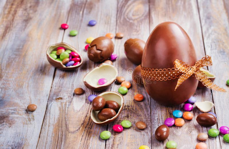 巧克力复活节彩蛋查出的对象 库存照片